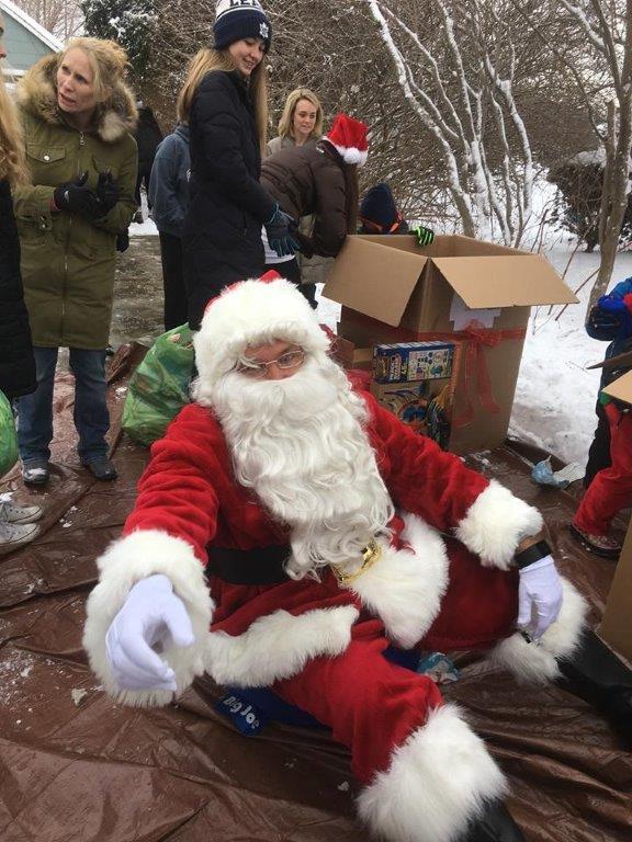 Family 1 help Santa
